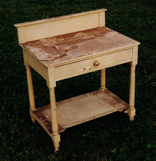 Washstand_before_restoration