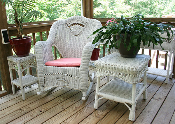 Keep your outdoor furniture in excellent condition to ensure the comfort and appeal of your outdoor area.