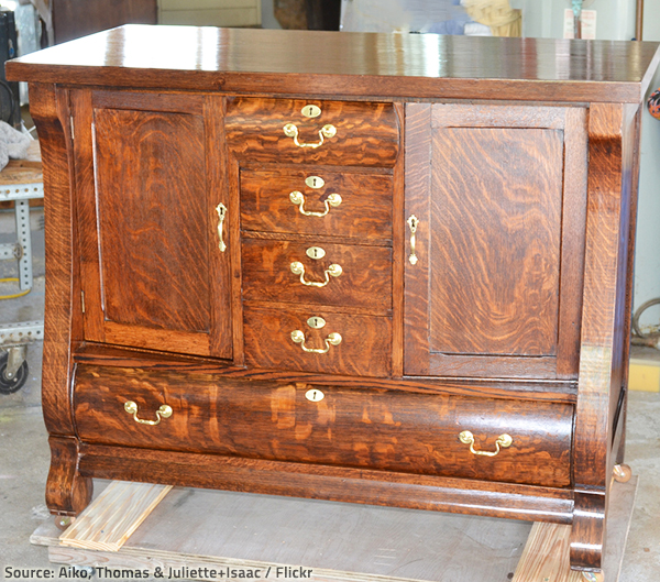 Gentil Professional Furniture Care Is Your Best Bet When It Comes To Worn Out Lacquer  Furniture.