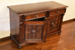 Purchasing-Antique-Furniture